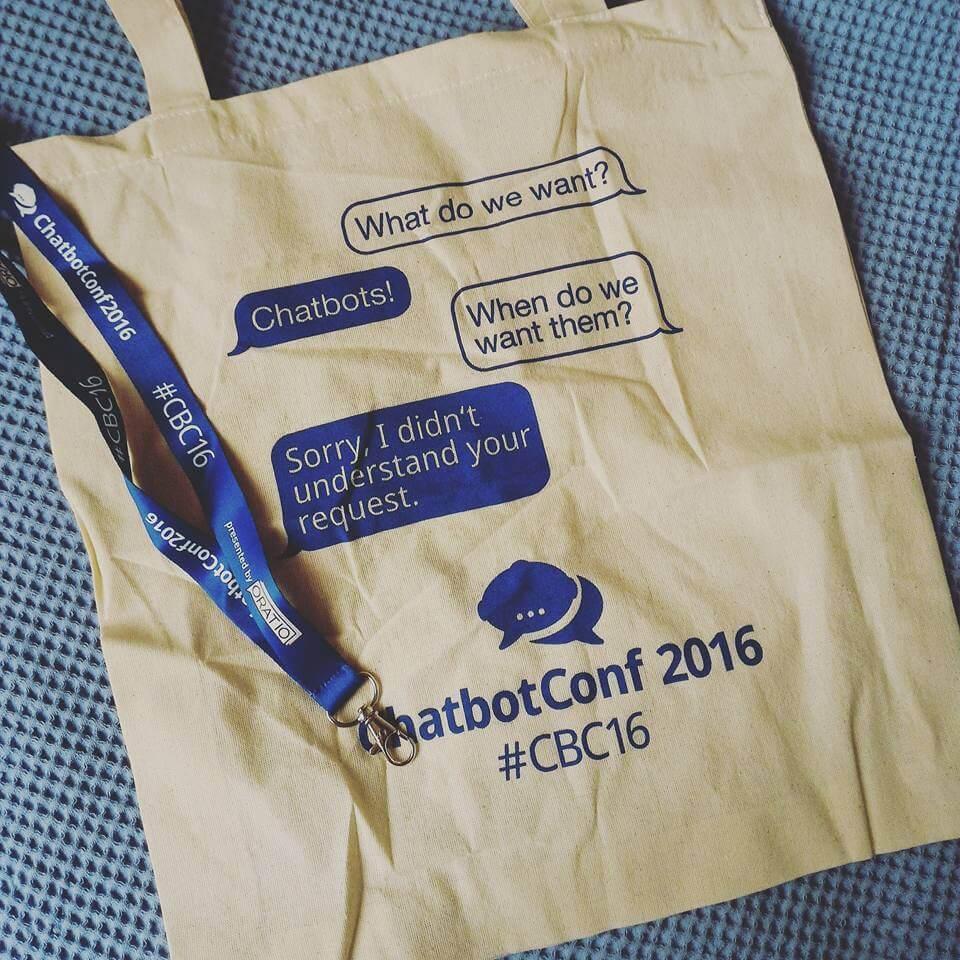 Gift da #ChatbotCon 2016—foto por Nei Fonseca.
