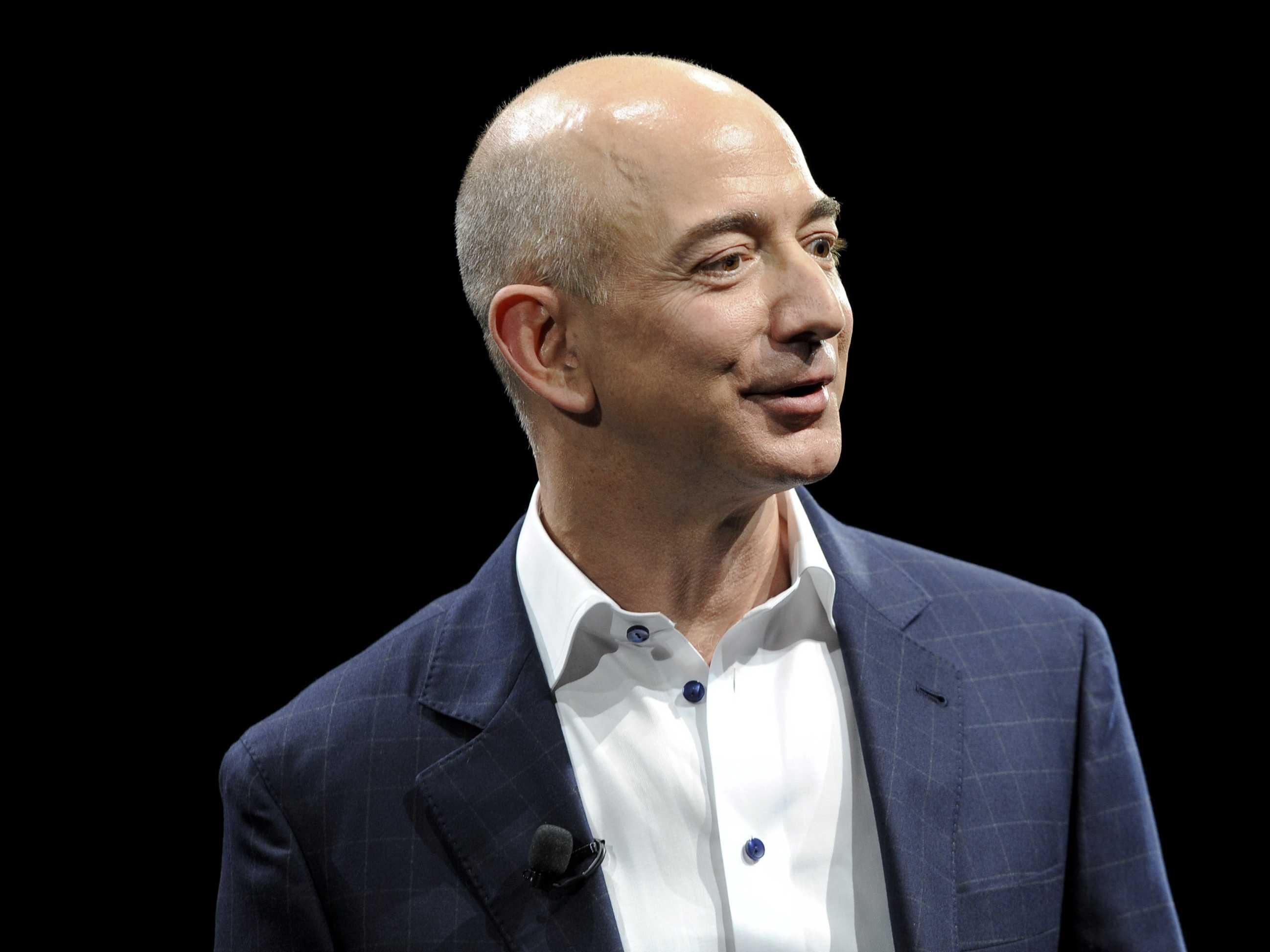 Jeff Bezos acusou executivos de ameaçarem publicar suas fotos íntimas se jornal não acabar com investigação